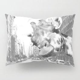 Black and White Selfie Giraffe in NYC Pillow Sham