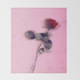 LA ROSE ROUGE Throw Blanket