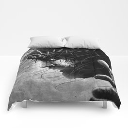 Crucified Jesus grungy Comforters