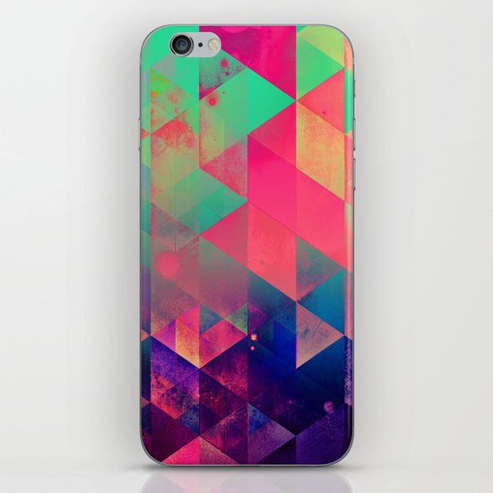 plyyt iPhone Skin