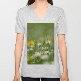 Daisy meadow Unisex V-Neck