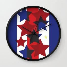 Estrellas rojas y azules Wall Clock