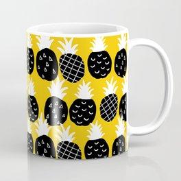 Black pineapple. Coffee Mug