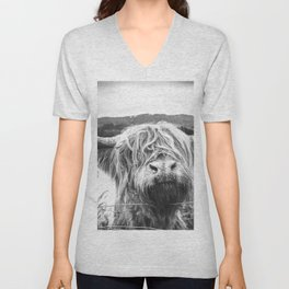 Highland Cow Nose Barbed Wire Fence Black and White Unisex V-Neck