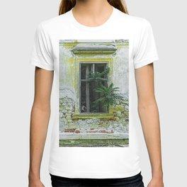 Lostplaces Window in castle Pottendorf T-shirt