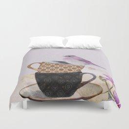 Bird in tea cup Duvet Cover