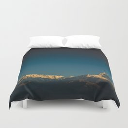 Himalayan sunrise Duvet Cover
