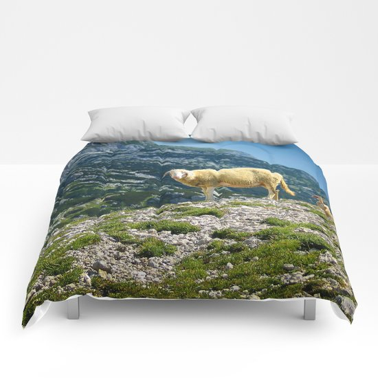 Sheep on the hill Comforters