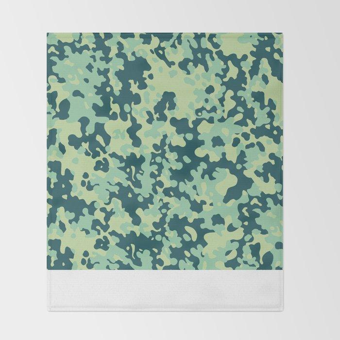 CAMO02 Throw Blanket