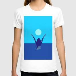 Blue sky and moon is calling me.. T-shirt