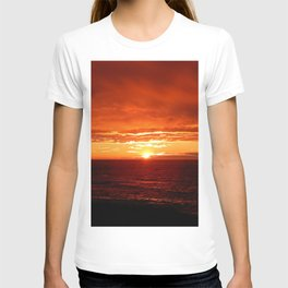Sun Sets on the Mighty Saint-Lawrence T-shirt
