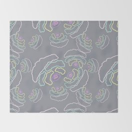 illustration made in pastel colors making small shapes that mimic geometric flowers Throw Blanket