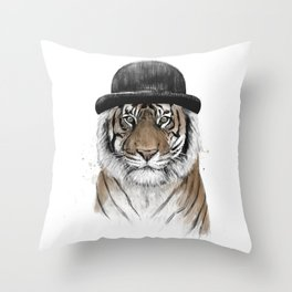 Welcome to the jungle II Throw Pillow