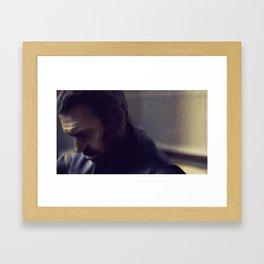Un Momento Framed Art Print