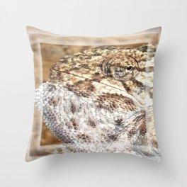 Chameleon - Macro Portrait Throw Pillow