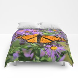 Monarch Butterfly on Wild Aster Flower Comforters