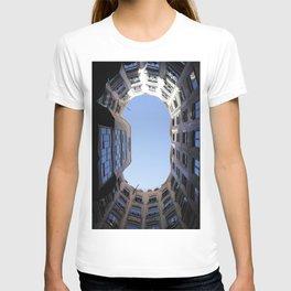 Barcelona Photography - Casa Mila La Pedrera T-shirt