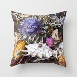 FLORAL STILL LIFE - Autumn Feeling Throw Pillow