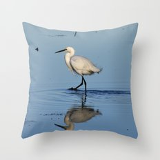 Egret walk Throw Pillow
