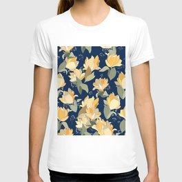 Yellow lily pattern T-shirt