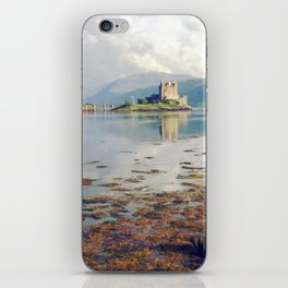 eilean donan castle. iPhone Skin