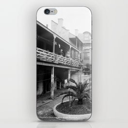 Old French courtyard, New Orleans iPhone Skin