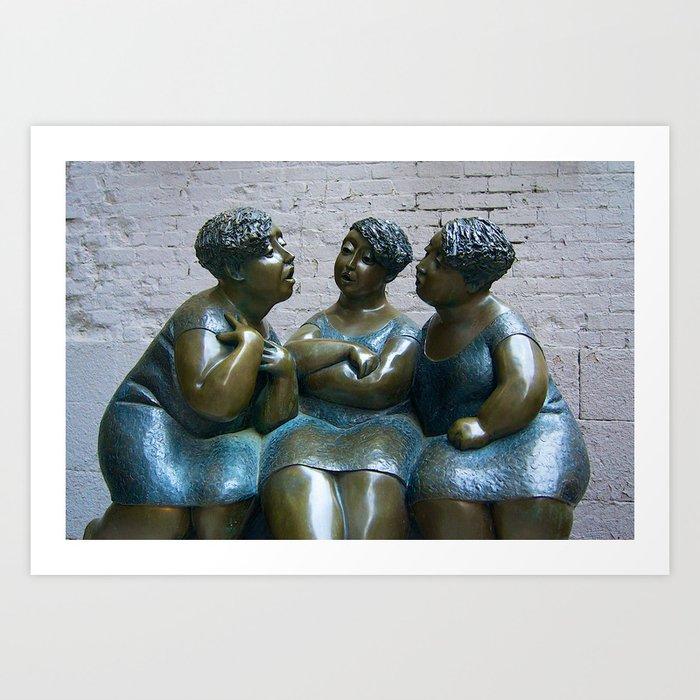 Statue de femmes à Montréal Art Print