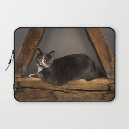 Cat on tree Laptop Sleeve