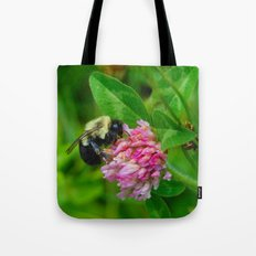bee in clover Tote Bag