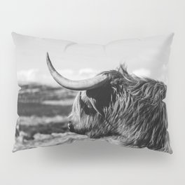 Highland Cow Looking in the Distance Black and White Pillow Sham
