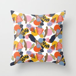Sorvete Throw Pillow