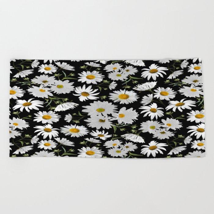 daisy garden Beach Towel