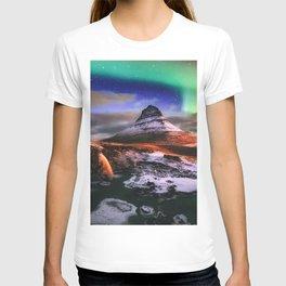 Kirkjufell Mount night waterfalls northern lights Icelandic landmarks Europe Kirkjufell Iceland T-shirt