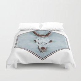 The haunted deer skull Duvet Cover