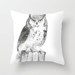 My great horned owl: Nuit Throw Pillow