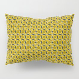 Geometric pattern with interlaced circles in gold Pillow Sham