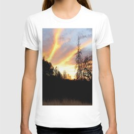 Fire in the sky. T-shirt