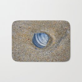INDIGO COCKLE SHELL ON SAND Bath Mat
