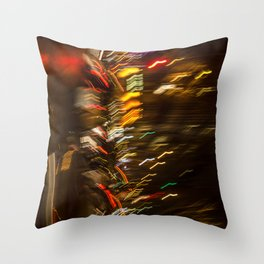 Lumières de la nuit Paris street Throw Pillow