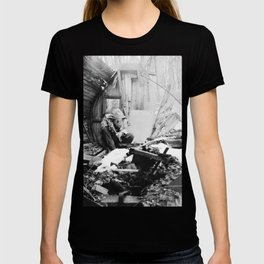 barrel sauna stories T-shirt