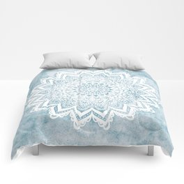 LIGHT BLUE MANDALA SAVANAH Comforters