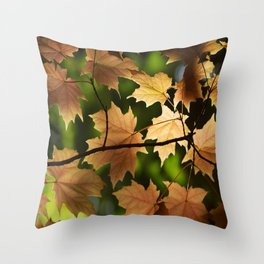 Automne Throw Pillow