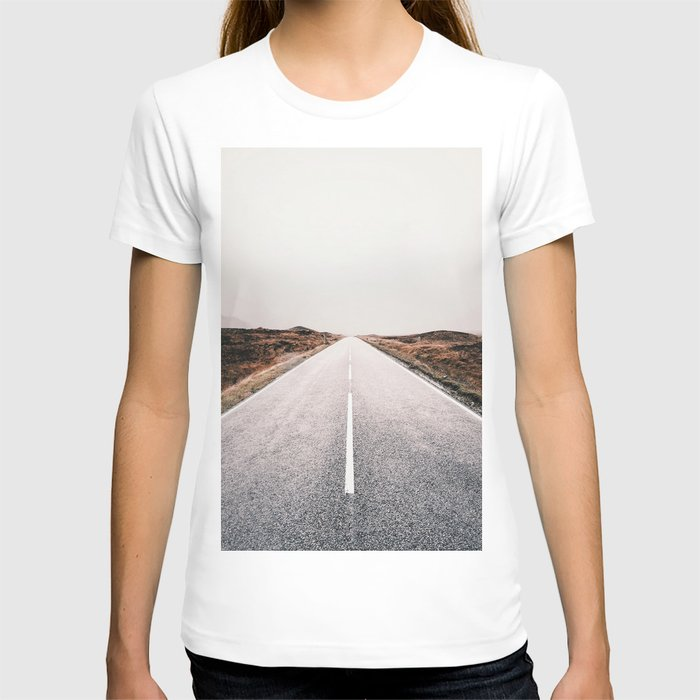 ROAD - HIGH WAY - LANDSCAPE - PHOTOGRAPHY - NATURE - ADVENTURE - SKY T-shirt