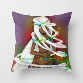 Shapeshifter Won't morph into a x-mas tree Throw Pillow