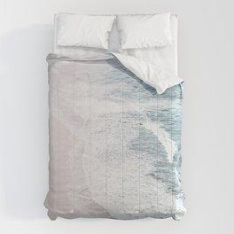 Vintage Faded ocean waves Comforters
