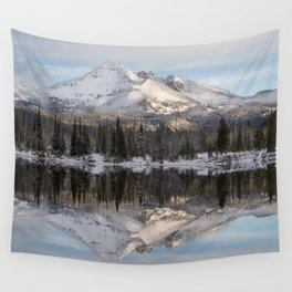 Broken Top sunrise reflection Wall Tapestry