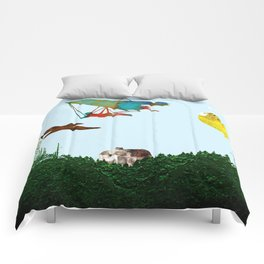 Fly together Comforters