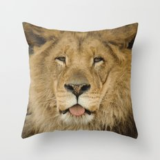 Face of a Lion Throw Pillow
