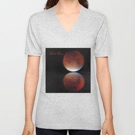 Super blood moon Unisex V-Neck