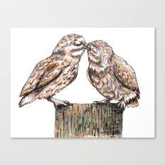 Owls kiss Canvas Print